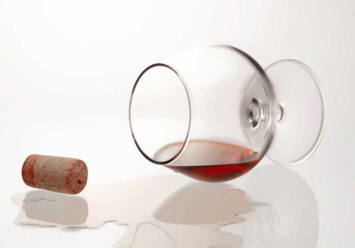 Έρευνα: Ένα ποτήρι κόκκινο κρασί το βράδυ βοηθά στη μείωση του βάρους - Σαν να κάνεις μία ώρα γυμναστική