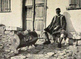 ξύλινη, κούνια, Κόρινθο, 1903,