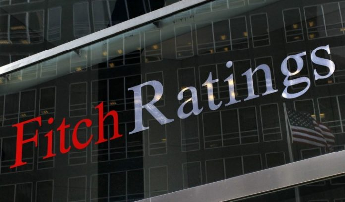 Fitch, Βουλή, μέτρα,