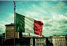 Spiegel: Αν η Ελλάδα ήταν ο εκρηκτικός μηχανισμός, η Ιταλία είναι η πυρηνική βόμβα