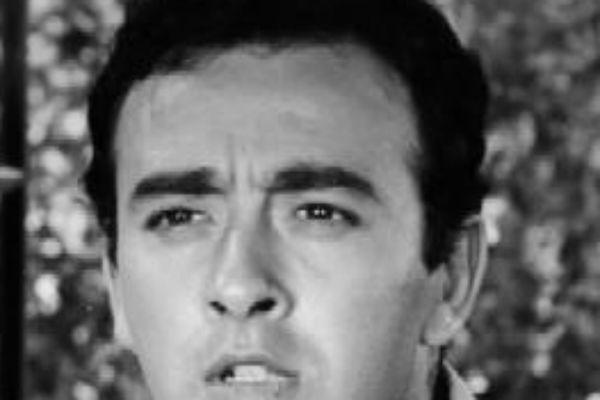 Ανδρέας Ντούζος, ηθοποιός, 60s,