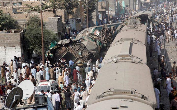 Πακιστάν, απολογισμός, νεκρών, σύγκρουση, τρένων,