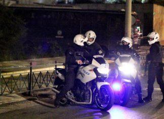 Στη σύλληψη ενός 67χρονου άνδρα ο οποίος φέρεται να χάιδευε ένα ανήλικο κοριτσάκι σε στάση λεωφορείου στο κέντρο της Θεσσαλονίκης, προχώρησαν πριν από λίγο αστυνομικοί της ομάδας Ζ.