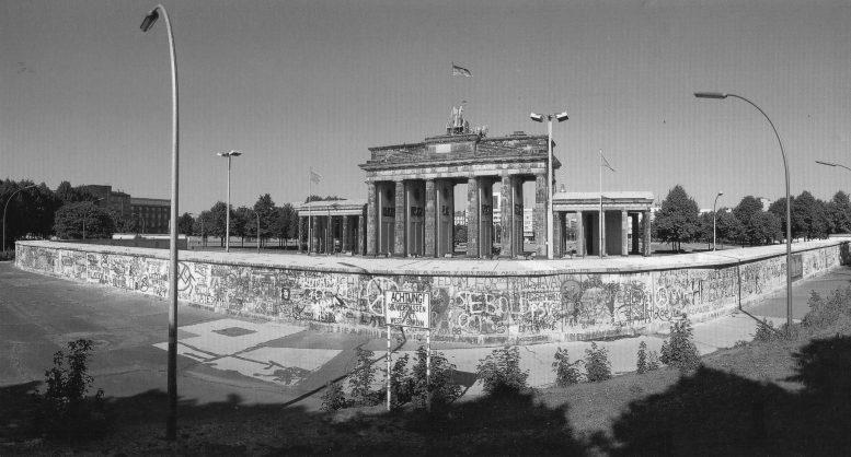 σαν σήμερα, τείχος Βερολίνου,