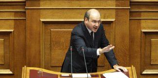Χατζηδάκης τα έβαλε με τους γραφειοκράτες του υπουργείου: Δεν δικαιούστε να βγάζετε γλώσσα στους συνταξιούχους
