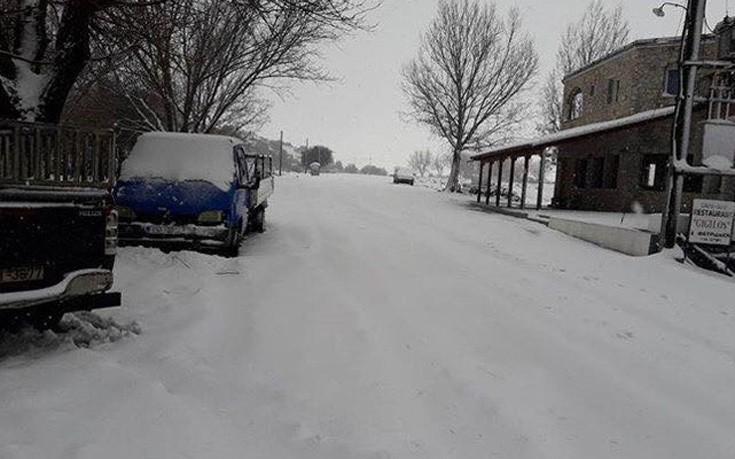 Κρήτη, οροπέδιο Ομαλού, χιόνια,