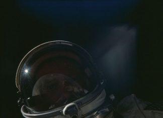 άχρηστη πληροφορία, αστροναύτες, ρέψιμο, διάστημα,