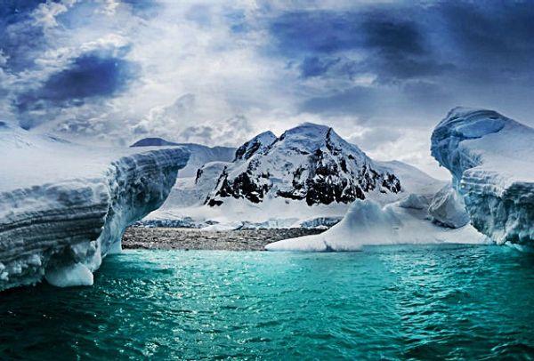 Ανησυχία! Έλιωσαν 10 δισ. τόνοι πάγων στη Γροιλανδία μέσα σε 24 ώρες