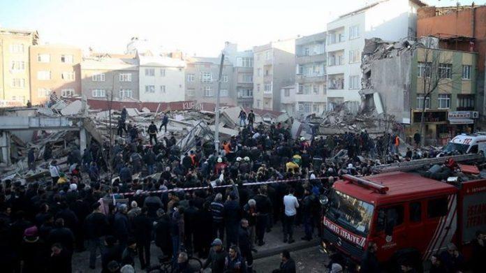 Κωνσταντινούπολη, κατάρρευση, κτιρίου,