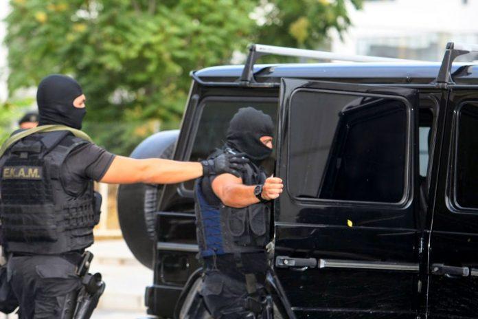 Αντιτρομοκρατική Υπηρεσία: Στην «Επαναστατική Αυτοάμυνα», ανήκουν οι εμπλεκόμενοι στην υπόθεση με τον εντοπισμό οπλισμού και τις συλλήψεις στον Χολαργό