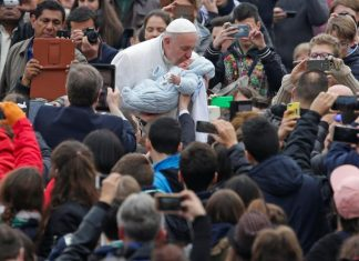 Πάπας Φραγκίσκος, άθεος, υποκριτής,