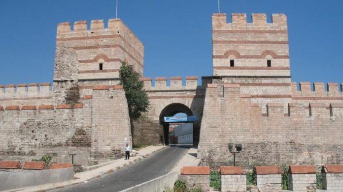 Κωνσταντινούπολη, αίθουσα γαμήλιων τελετών, Θεοδοσιανά τείχη,