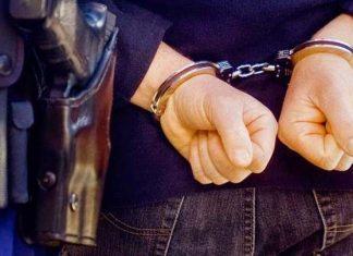 Συνελήφθη 19χρονος για την επίθεση του «Ρουβίκωνα»