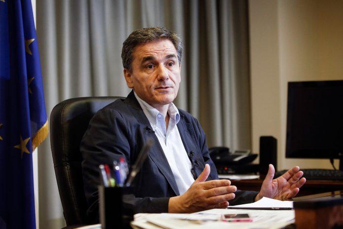 Τσακαλώτος: Μεσοσταθμική μείωση 10% του ΕΝΦΙΑ για το 2019 και 30% για το 2020