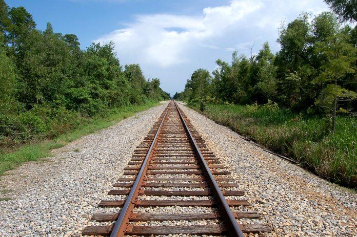 σιδηροδρομικές γραμμές, Άνοιγμα,