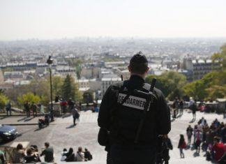 Παρίσι, ύποπτος, επίθεση, στρατιώτες,