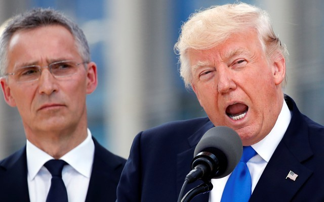 ΝΑΤΟ: O Τραμπ απειλεί με αποχώρηση των ΗΠΑ