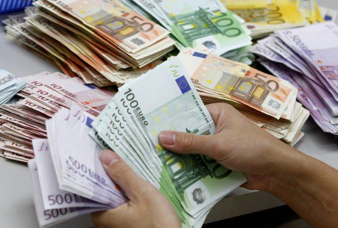 Δίμηνο-φωτιά: 10 δισ. ευρώ στα κρατικά ταμεία έως το τέλος Δεκεμβρίου
