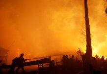 Ισπανία, άνθρωποι, εγκατέλειψαν, σπίτια, φωτιά,