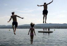 Προσέφυγε στο ΣτΕ για την απαγόρευση θαλάσσιων μπάνιων