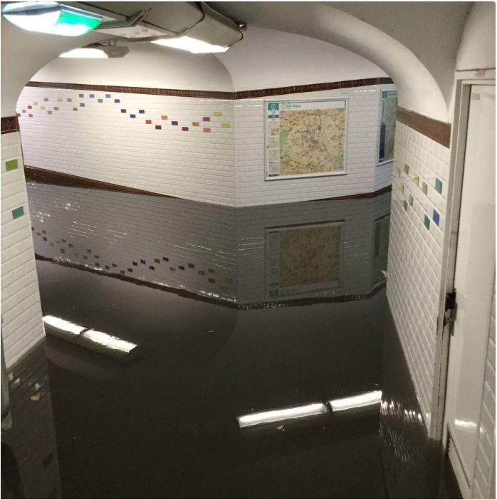 Παρίσι, πλημμύρες, μετρό,