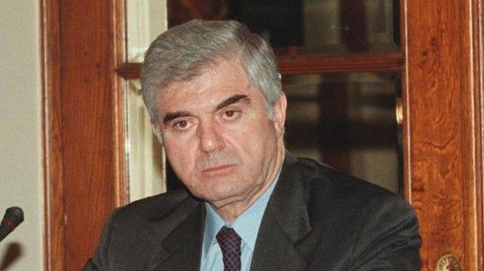 πέθανε, Παύλος Ψωμιάδης,
