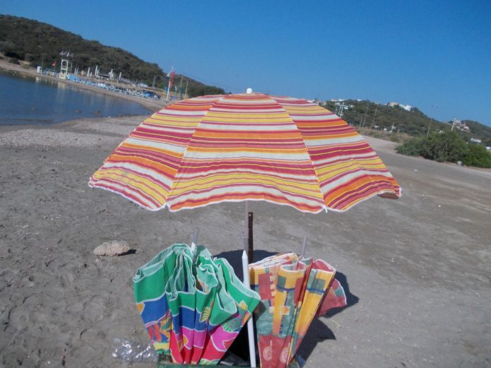 Κρήτη, ομπρέλα, κοιλιά, τουρίστας,