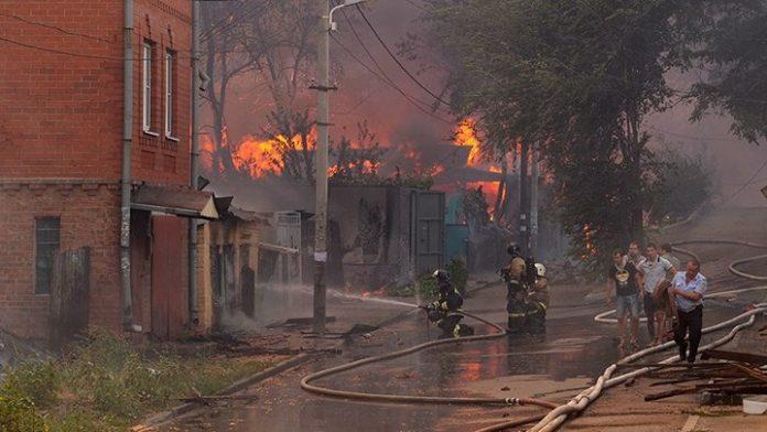Ρωσία, Ροστόφ, φωτιά, σπίτια,