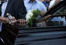 Κυπαρισσία: Θρήνος στην κηδεία του 15χρονου - Συγκλόνισε η μητέρα του: Έφυγε το παιδί μου