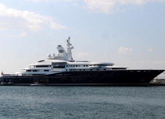 Πλωτό παλάτι 67,5 μέτρων στο λιμάνι της Σούδας