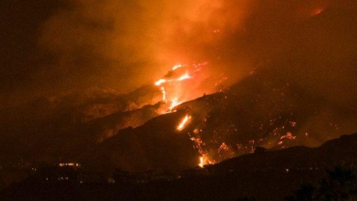 Λος Άντζελες, φωτιά, εκκενώθηκαν, σπίτια,