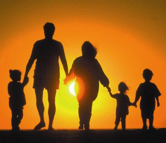ΣΥΜΒΟΥΛΕΣ: Οι γονείς οφείλουν να είναι πάντα δίπλα στα παιδιά τους