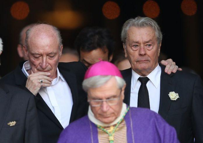 Αλέν Ντελόν, κηδεία, Mireille Darc,