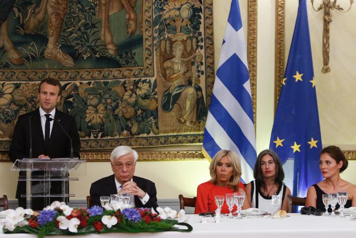 Μακρόν, δείπνο, ΕΕ, μη συντονισμένες, αποφάσεις, κρίση,