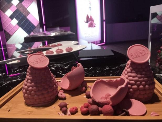 σοκολάτα, νέα γεύση, ροζ χρώμα,