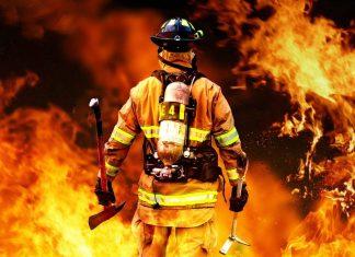 ΚΑΛΙΦΟΡΝΙΑ: Οι καταστροφικές πυρκαγιές συνεχίζουν να καίνε ανεξέλεγκτες