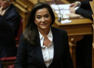 Μπακογιάννη: Να σταματάνε οι διορισμοί και οι μετατάξεις στο Δημόσιο 6 μήνες πριν τις εκλογές