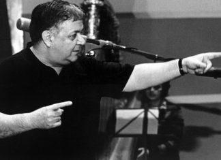 Μάνος Χατζιδάκις: Το ερωτικό τραγούδι του All alone am I που αγαπήθηκε από όλον τον κόσμο