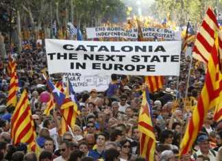 Με αναστολή της αυτονομίας της Καταλονίας το Σάββατο απειλεί η Μαδρίτη