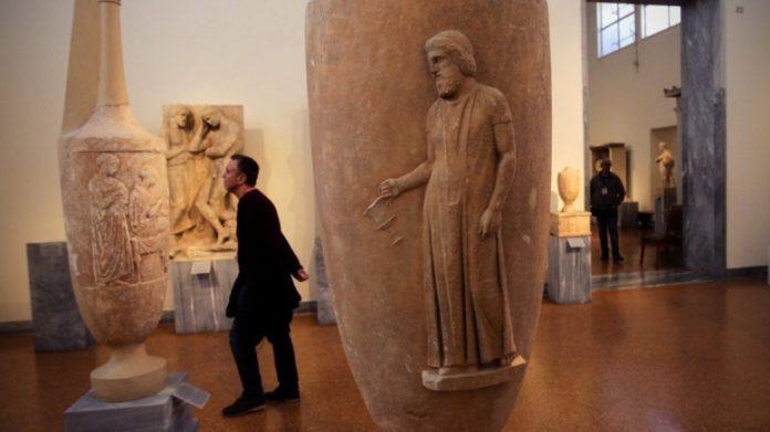 Κλεμμένες ελληνικές αρχαιότητες σε έκθεση στο Λονδίνο!