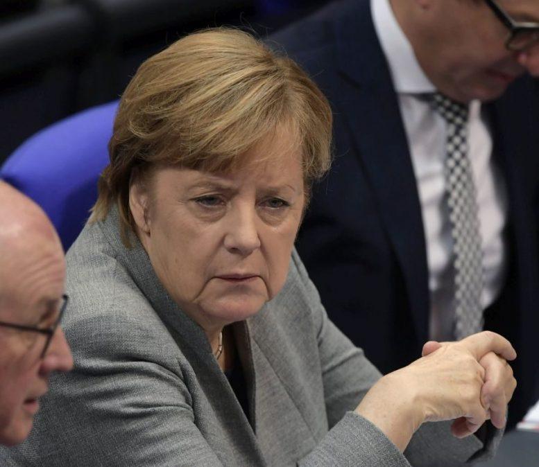Και επίσημα πρόεδρος στη γερμανική Βουλή ο Βόλφγκανγκ Σόιμπλε