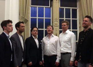 ΑΠΟΛΑΥΣΤΙΚΟ: Η βρετανική εκδοχή του τραγουδιού… «Το κοκοράκι»