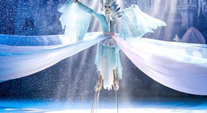 """""""Η Βασίλισσα του Χιονιού"""" στον πάγο στο Κλειστό Π. Φαλήρου"""