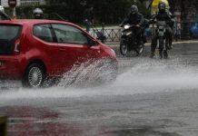 Τι πρέπει να προσέχουμε όταν οδηγούμε στη βροχή