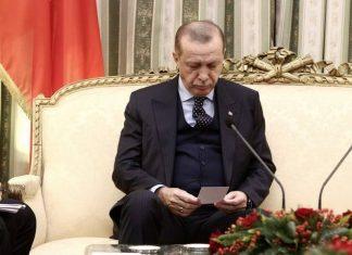 """Ο Ερντογάν σέβεται τη Λωζάννη, αλλά μιλά για """"τούρκους"""" της Θράκης"""