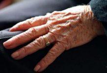 Ρόδος: Λήστεψαν 92χρονη