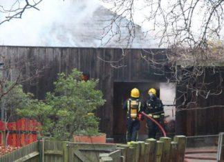 ΛΟΝΔΙΝΟ: Μεγάλη πυρκαγιά ξέσπασε στον Ζωολογικό Κήπο
