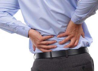 Πότε «δείχνουν» καρκίνο ο πόνος στη μέση και ο πόνος στο χέρι