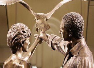 ΒΡΕΤΑΝΙΑ: Το Harrods ξηλώνει το άγαλμα της πριγκίπισσας Νταϊάνας