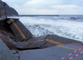 Μαγνησία: Συνεχίζεται η κακοκαιρία - Χιονίζει στο Πήλιο - Δεμένα τα πλοία στο λιμάνι του Βόλου